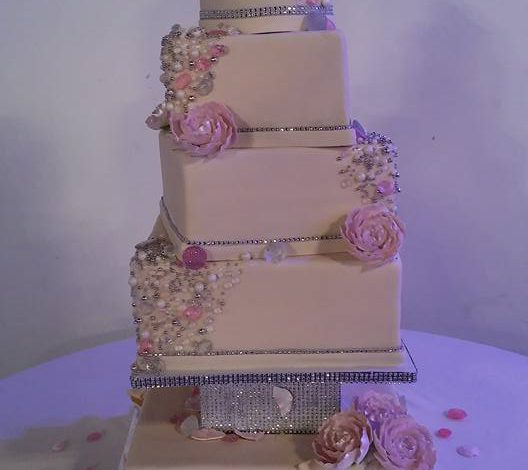 Diamond and Pearls Wedding Cake