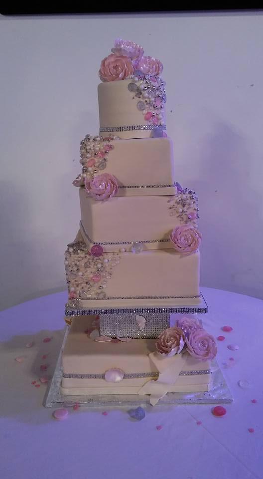 Diamond and Pearls Wedding Cake