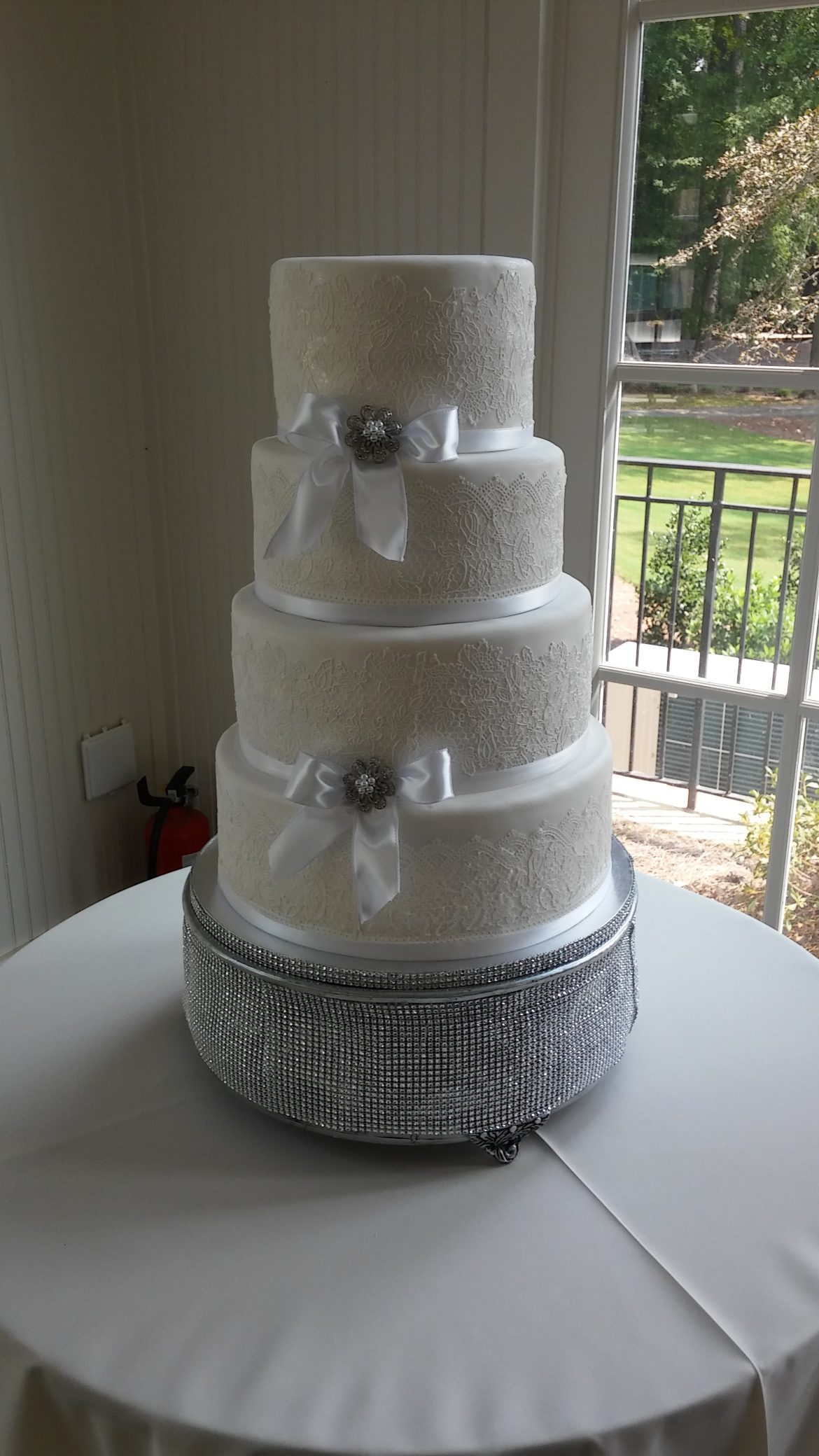 Love Lace Wedding Cake