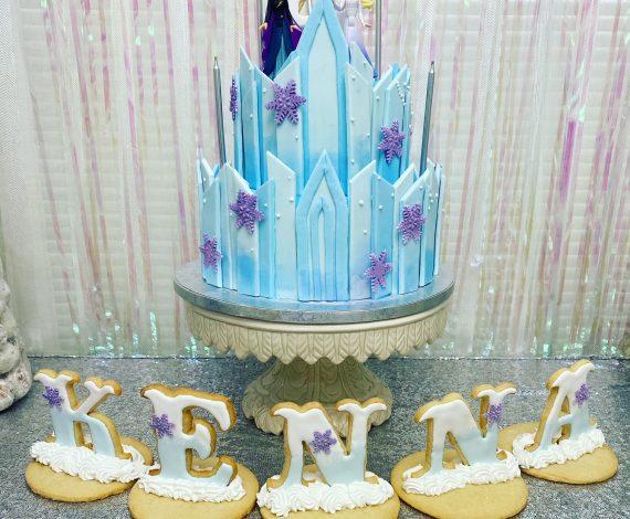 Frozen cake with Cookies