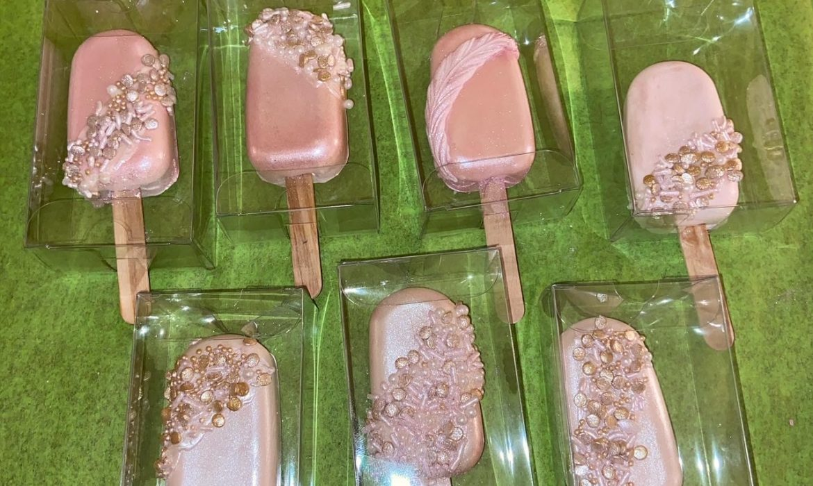 Pearlized Cakesickles